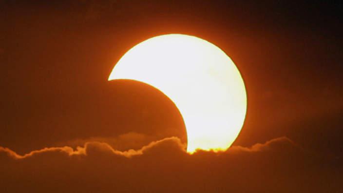 eclipsa solara luna astrologie proiectii universul om